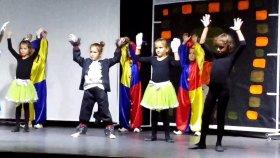 Elifin Yeni Tiyatro oyunu provasından sahneler, merhabasız