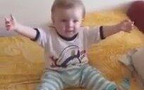 Erik Dalını Duyunca Ağlaması Geçen Bebek