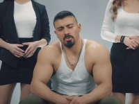 Body'ci Erkek Tanıtan Feminist Türk Kızları