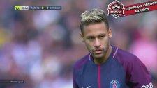 Neymar'dan Muhteşem Frikik Dersi!