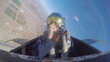 Kadın Pilotun Kokpitte Baygınlık Geçirmesi