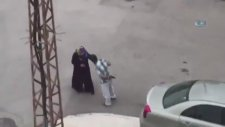 Silahlı Saldırganı Görünce Karısını Yalnız Bırakan Adam - Çorum