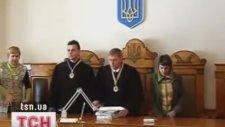 Ünlü Rus Manyaklarının Duruşması (3 Guys 1 Hammer)