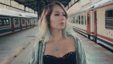 Harun Kolçak feat. Gülçin Ergül - Ağlat Beni (Official Video)