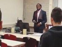 Reggae ile Ders Anlatan Öğretmen