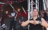 Konserin Seyrini Değiştiren İşaret Dili Çevirmeni