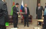Türkmen Lider Kurbankulu'nun Putin'e Doğum Günü Hediyesi