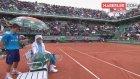 Ünlü Tenisçi Djokovic, Sırbistan'da Restoran Açtı: Parası Olmayanlara Yemek Bedava