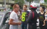 Yaşlı Turisti Polisin Önünde Bayıltan Yumruk