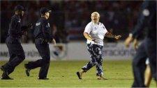 Süper babaanne ülkesini Dünya Kupası'na götürdü