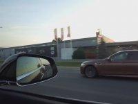 Tesla ve BMW'nin Yanından 170 İle Geçen TIR