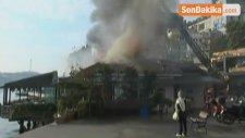 Tarihi Rumeli Hisarı İskelesi'ndeki Restoranda Yangın Çıktı! İskele Alev Alev Yanıyor