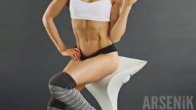 21 Yaşında Sexy Fitness Kız Kyla Ford..
