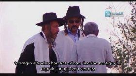Filistinliye Toprak Alma Şakası Yapmak - Altyazılı