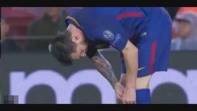 Çorabından Çıkardığı Şeyle Şaşkına Çeviren Messi