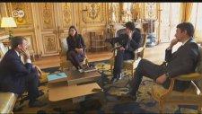 Macron'un Köpeği Elysee Sarayı'nın Şöminesine Çişini Yaptı