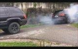 Audi Q7 ve 4x4 Jeep'i Kapıştırmak