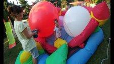 Zıpzıp Havuzu Dev Balonlarla Doldurduk. Eğlenceli Çocuk Videosu