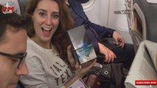 İspanya'da 200 Şanslı Yolcuya Samsung Note 8 Hediye Edildi