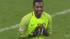 Kullandığı Penaltıyla Kaleciyi Çileden Çıkaran Futbolcu