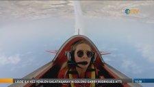 Türkiye'nin ilk Kadın Akrobasi Pilotundan Nefes Kesen Gösteri
