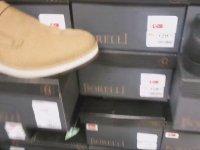 Alışveriş Merkezinde Ayakkabı Koklayan Youtuber
