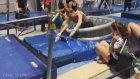 Cimnastikçi Kızlara Buz Gibi Suyla Cezalı Eğitim