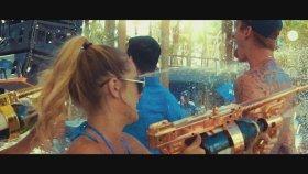 Machine Gun Kelly - Golden God