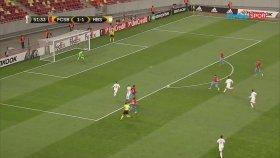 Halis Özkahya'dan UEFA Avrupa Ligi maçında inanılmaz hata