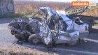 Sera İşçilerini Taşıyan Minibüs Otomobille Çarpıştı: 2 Ölü, 3'ü Ağır 18 Yaralı