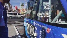 İlk Günde Kaza Yapan Sürücüsüz Servis Aracı