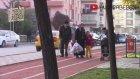 Parkta Bebek Unutma Şakasında Ortalık Karıştı - ( Bomba Sandılar )