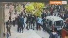 Avcılar'da Lise Öğrencileri Sopalarla Birbirine Girdi... O Anlar Kamerada