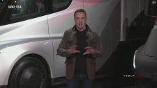 Elon Musk Elektrikli Kamyon Tesla Semi'yi Tanıttı
