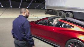 Yeni Tesla Roadster'ın Tanıtımı Yapıldı