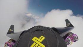 Bulutlar ile Oynayan Jet Adam!