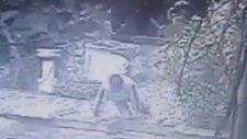 Sarıyer'de Polisle Çatışan Hırsızın Emekleyerek Kaçması