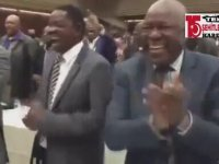 Başkan İstifa Edince Dansetmek