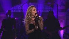 Miley Cyrus -  Bad Mood Live at SNL