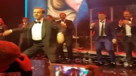 Rusya Başbakan Yardımcısı Arkadiy Dvorkoviç'in Çılgın Dansı