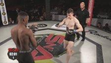 MMA Dövüşçüsü Ollie Flint Rakibini Duman Etti!