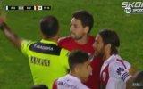 Futbol Kurallarını Unutan Kalecinin Takımını Yakması
