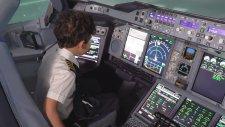 6 Yaşında Uçak Uçurma Hayali Gerçekleşem Çocuk