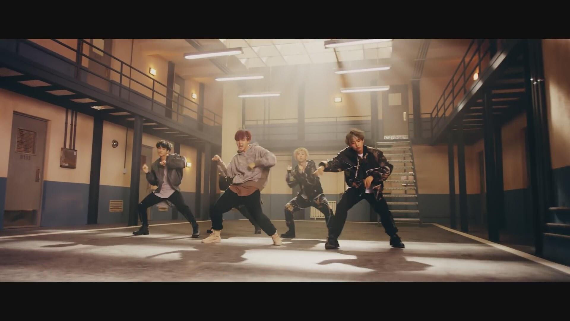 BTS - MIC Drop (Steve Aoki Remix)