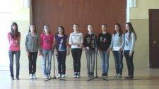 Bulgar Öğrencileri - Gel Yanıma Gir Koluma Şarkısı