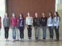 Bulgar Öğrencileri - Gel Yanıma Gir Koluma