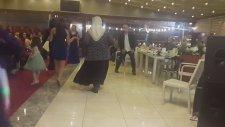 Düğünde Twist Şov Yapan Teyze