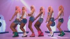 Ariana Grande ft Nicki Minaj -  Bad Decisions