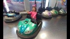 Terracity Avm Playland Eğlence Merkezindeyiz. Elifi Her Oyunda Yendim Çarpışan Araba Hariç