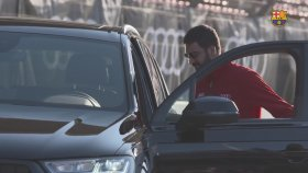 Arda Turan ve Barcelonalı Futbolcular Yeni Arabalarına Kavuştu